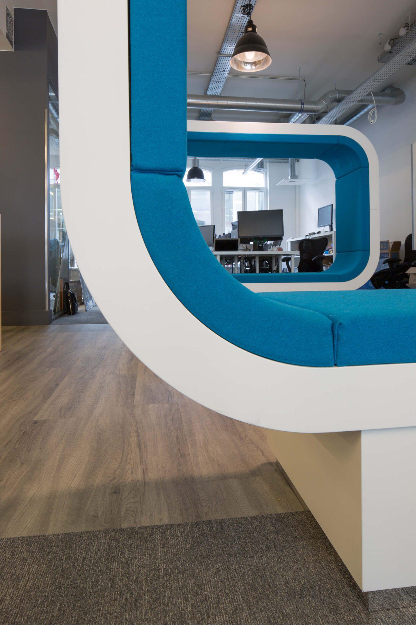espaço lounge com acabamentos premium
